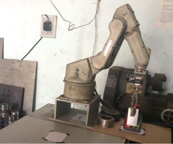 Bộ điều khiển và xây dựng giải thuật điều khiển cho robot